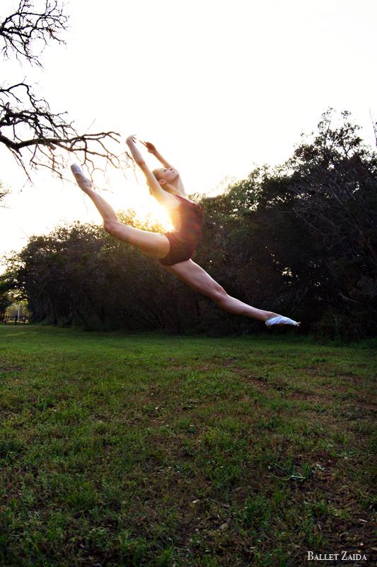Dancer - Nicole Voris.<br /> <br /> Location - Austin, Texas.<br /> <br /> © 2012 Oliver Endahl