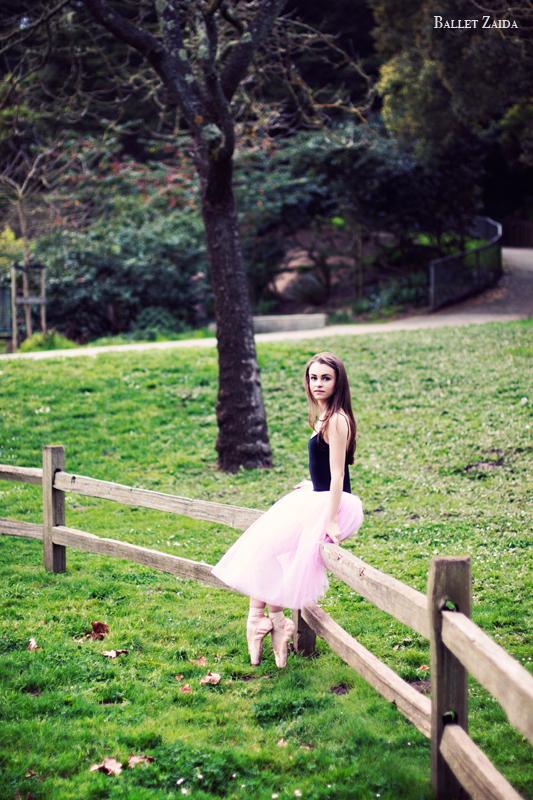 Dancer - Elise Gillum.<br /> <br /> Location - San Francisco, California.<br /> <br /> © 2012 Oliver Endahl