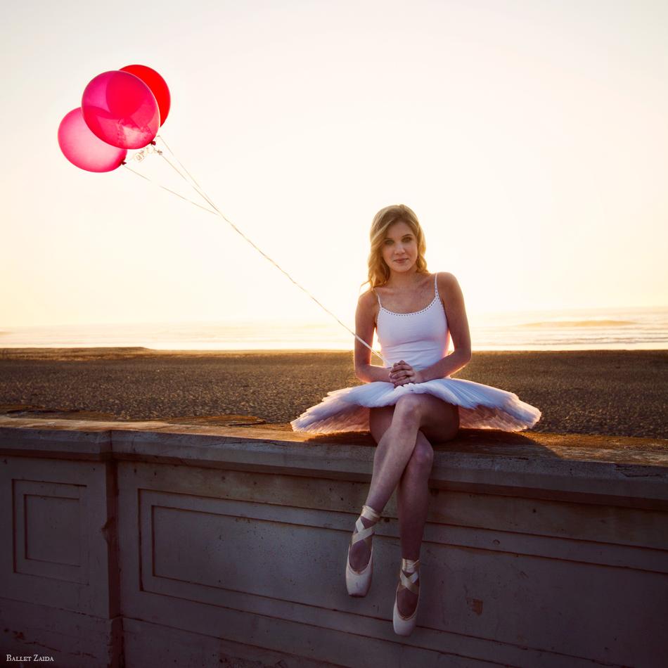 Dancer - Caroline Echerd.<br /> <br /> Location - Ocean Beach. San Francisco, California.<br /> <br /> © 2012 Oliver Endahl