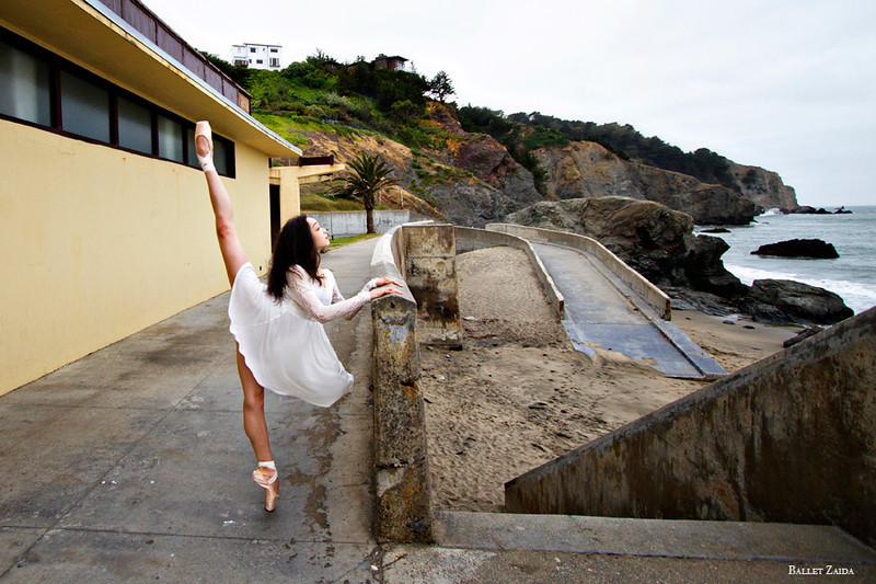 Dancer - Natasha Sheehan.<br /> <br /> Location - China Beach. San Francisco, California.<br /> <br /> © 2012 Oliver Endahl