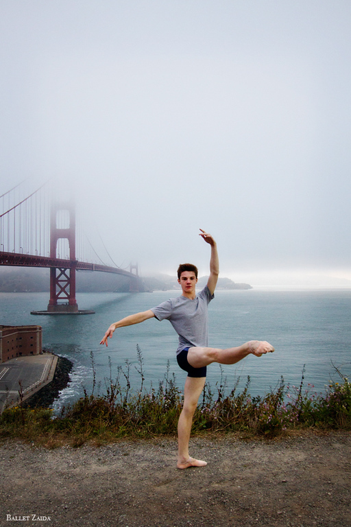 Dancer - David Donnelly.<br /> <br /> Location - San Francisco, California.<br /> <br /> © 2011 Oliver Endahl