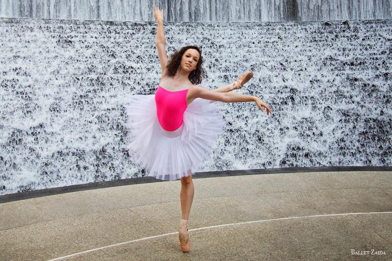 Dancer - Elise Judson.<br /> <br /> Location - Houston, Texas.<br /> <br /> © 2012 Oliver Endahl