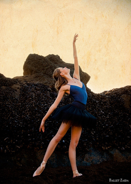 Dancer - Nicole Voris.<br /> <br /> Location - Sausalito, California.<br /> <br /> © 2011 Oliver Endahl