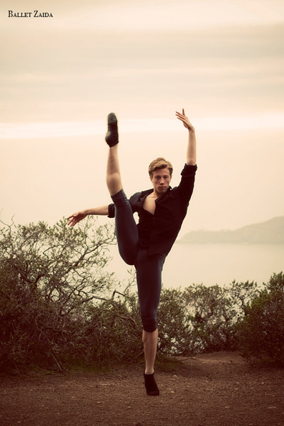 Dancer - Stephen Jacobsen.<br /> <br /> Location - Marin Headlands. Sausalito, California.<br /> <br /> © 2011 Oliver Endahl