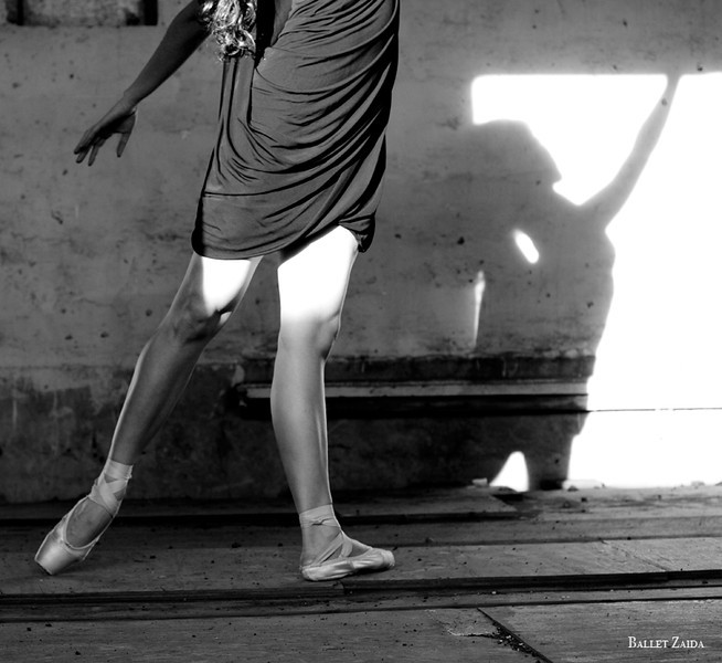 Dancer - Lauren Hawkins.<br /> <br /> Location - Marin Headlands. Sausalito, California.<br /> <br /> © 2011 Oliver Endahl