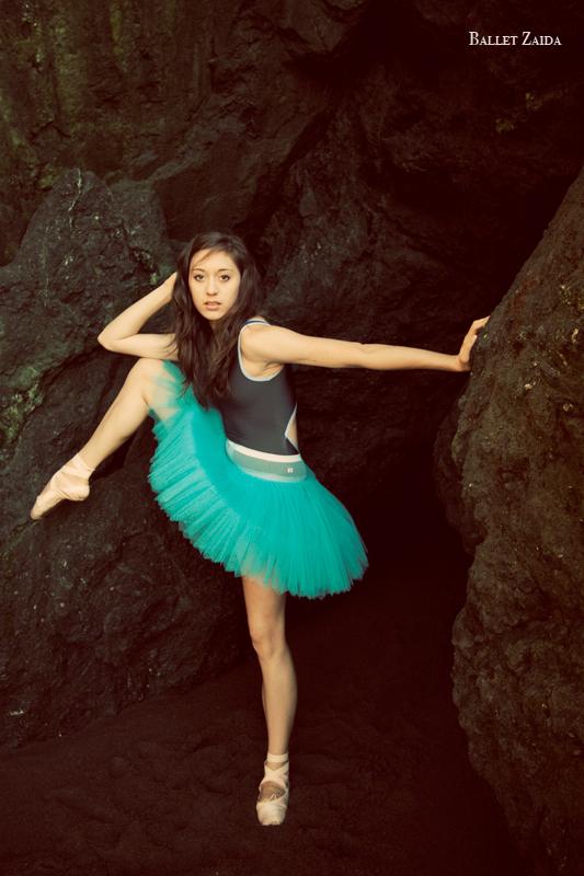 Dancer - Audrey Solomon.<br /> <br /> Location - Marin Headlands. Sausalito, California.<br /> <br /> © 2011 Oliver Endahl