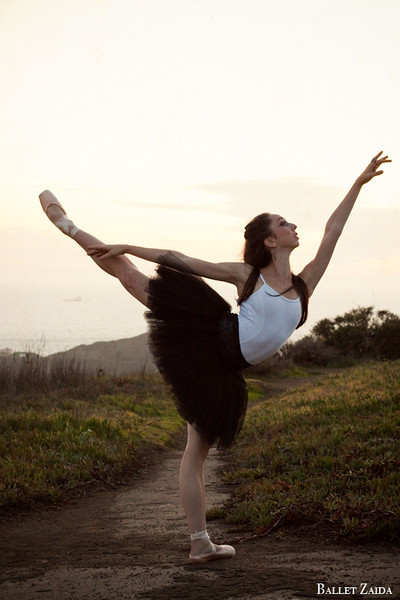 Dancer - Jordan Hammond.<br /> <br /> Location - Marin Headlands. Sausalito, California.<br /> <br /> © 2011 Oliver Endahl