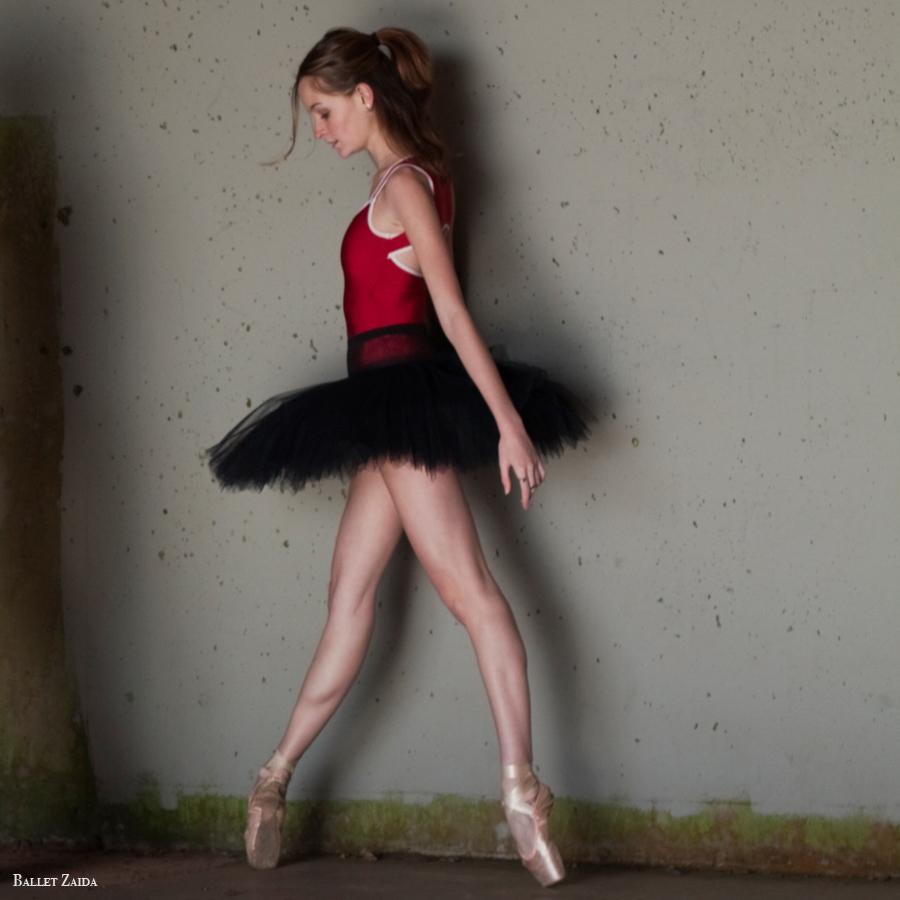 Dancer - Nicole Voris.<br /> <br /> Location - Marin Headlands. Sausalito, California.<br /> <br /> © 2011 Oliver Endahl