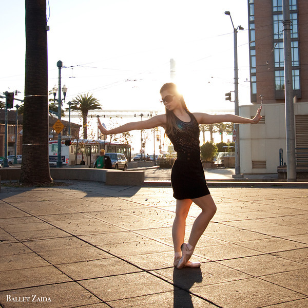Dancer - Lauren Slattery.<br /> <br /> Location - San Francisco, California.<br /> <br /> © 2011 Oliver Endahl