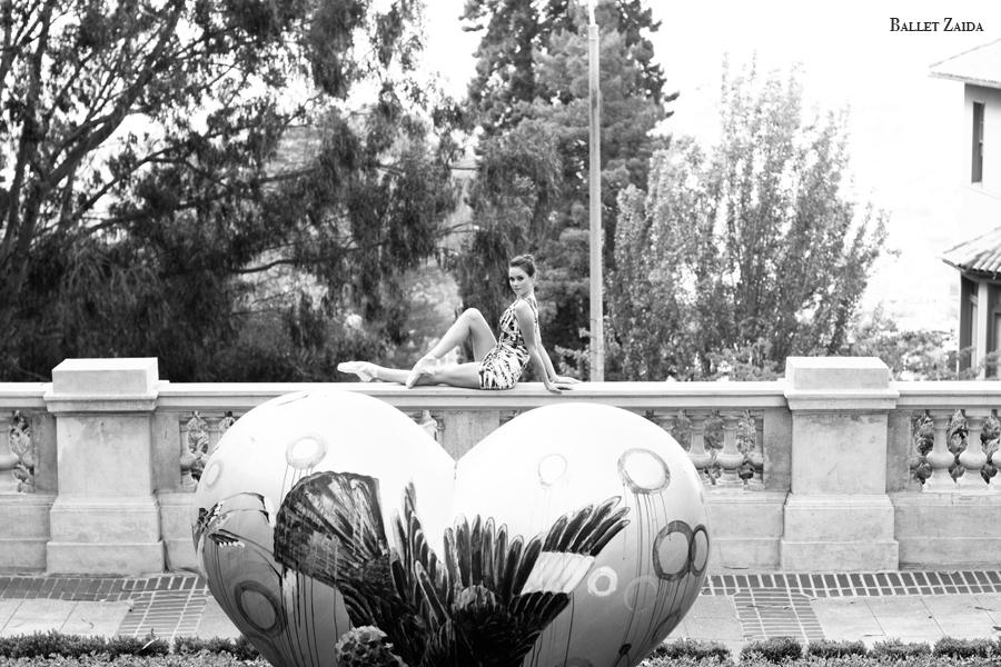 Dancer - Elizabeth Powell.<br /> <br /> Location - San Francisco, California.<br /> <br /> © 2011 Oliver Endahl