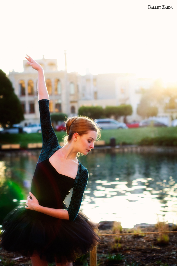 Dancer - Nicole Voris.<br /> <br /> Location - The Palace Of Fine Arts. San Francisco, California.<br /> <br /> © 2011 Oliver Endahl