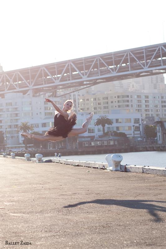 Dancer - Nicole Ciapponi.<br /> <br /> Location - San Francisco, California.<br /> <br /> © 2011 Oliver Endahl