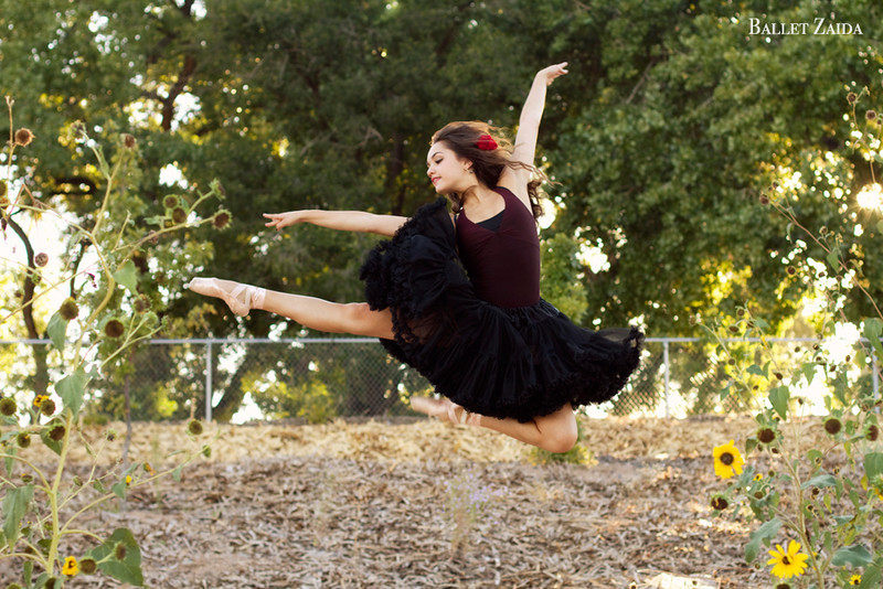 Dancer - Ashley Jakob.<br /> <br /> Location - New Mexico.<br /> <br /> © 2011 Oliver Endahl