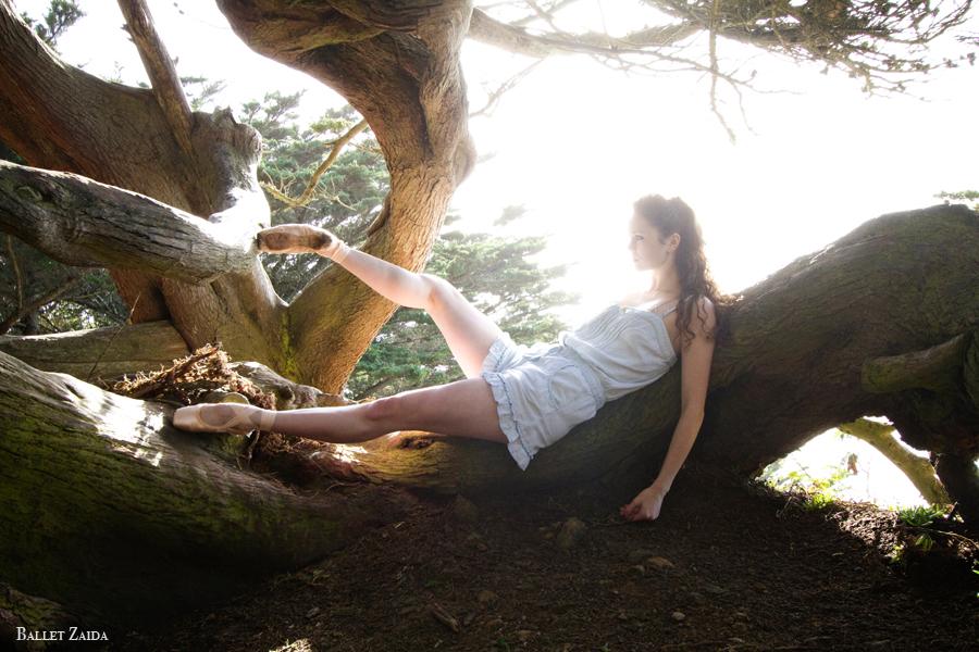 Dancer - Caitlin McAvoy.<br /> <br /> Location - Sutro Heights Park. San Francisco, California.<br /> <br /> © 2011 Oliver Endahl