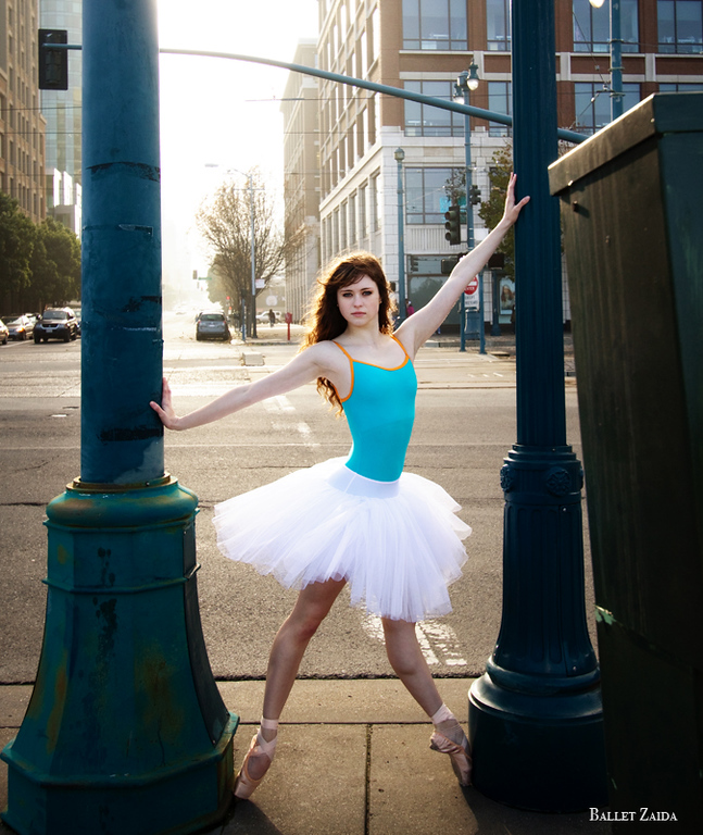 Dancer - Caitlin McAvoy.<br /> <br /> Location - San Francisco, California.<br /> <br /> © 2011 Oliver Endahl