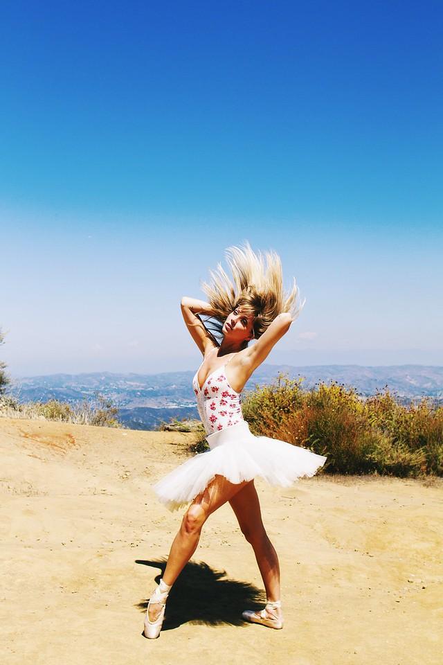 Dancer - Emily Corney. <br /> <br /> Location - California. <br /> <br /> Ballet Zaida is on Instagram. Username: BalletZaida