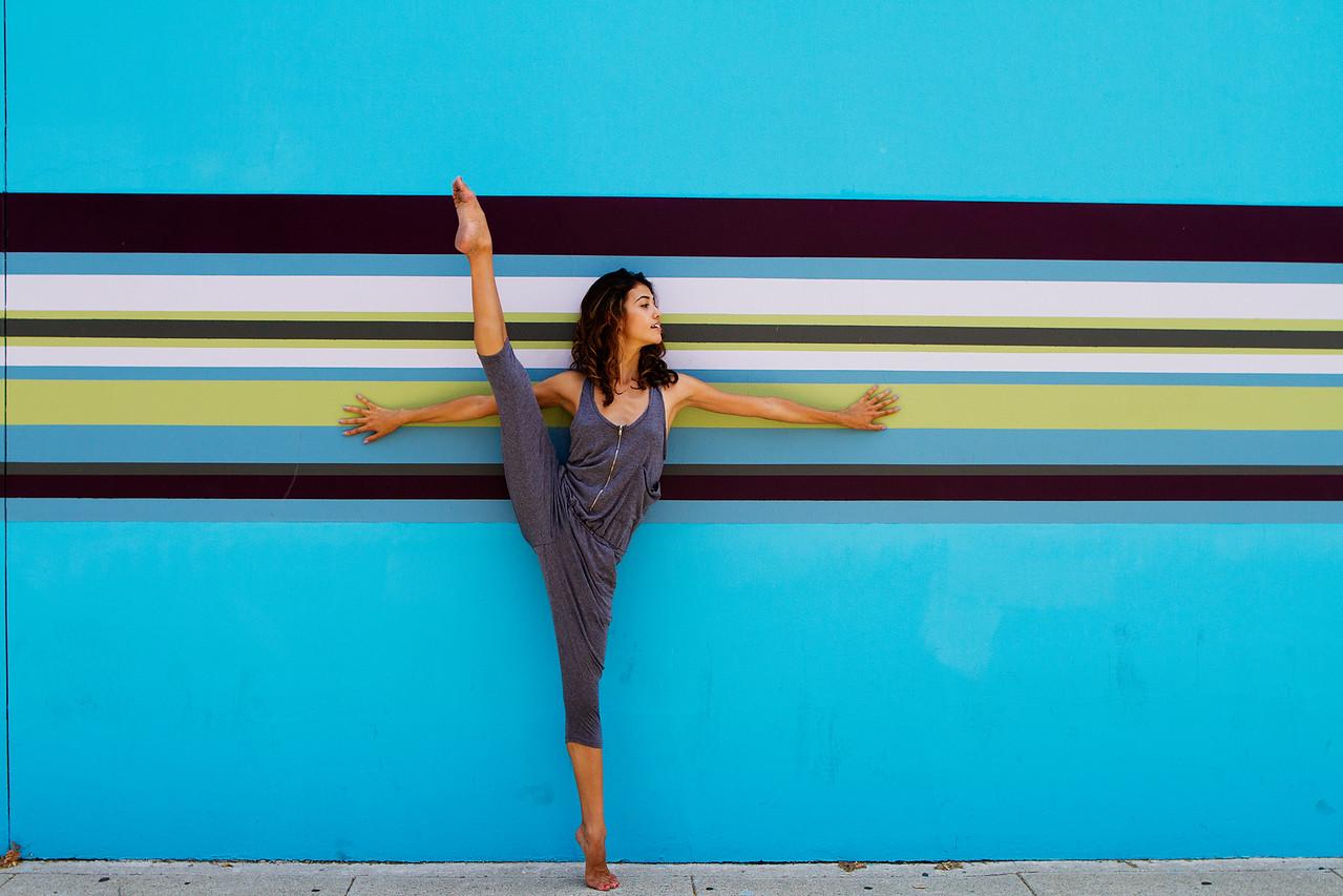 Dancer - Lindsay Fulton.<br /> <br /> Location - California.<br /> <br /> Ballet Zaida is on Instagram. Username: BalletZaida