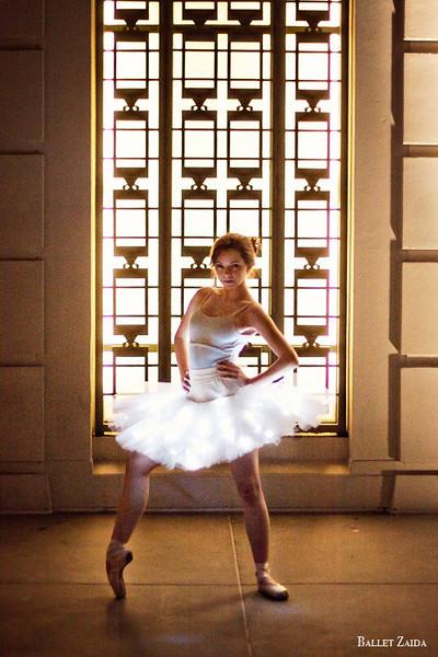 Dancer - Morgan Quinn.<br /> <br /> Location - Griffith Observatory. Los Angeles, California.<br /> <br /> © 2012 Oliver Endahl