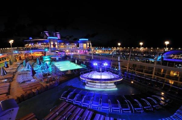 Pool Area Oasis of the Seas