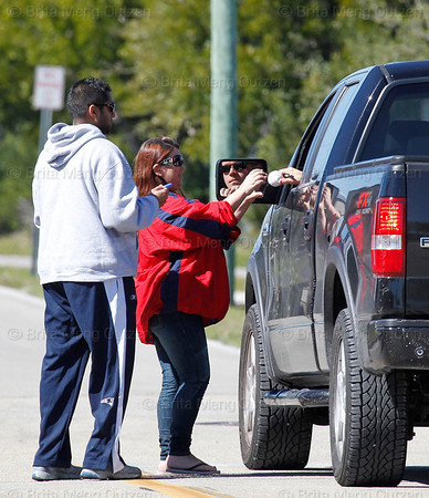 Feb. 13, 2011, Fort Myers, FL: Boston Red Sox pitcher Michael Bowden signs autographs for fans as he leaves the player development complex on Edison Avenue after workouts. (Brita Meng Outzen/Boston Red Sox)