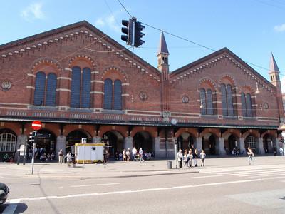 Train/bus station
