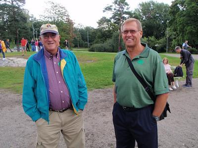 Mo and Dennis at the Sibelius memorial