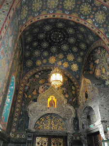 More spectacular mosaic archways
