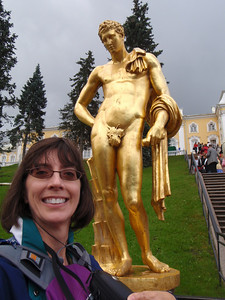 Jenny with a gold statue at Peterhof (self-portrait!)