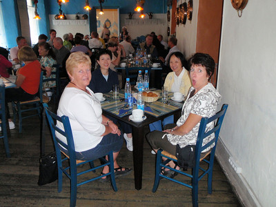 Ruth and Jill (sisters) with Patrice and Nancy (sisters) in the Russian restaurant