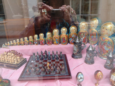 Store window with a huge Russian nested doll family!