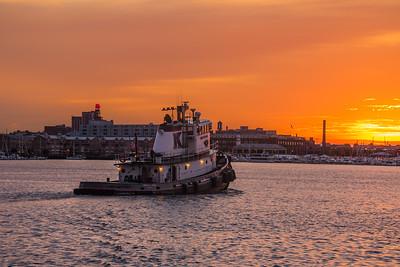 2015-09-21-Baltimore-Tug-Sunrise-1