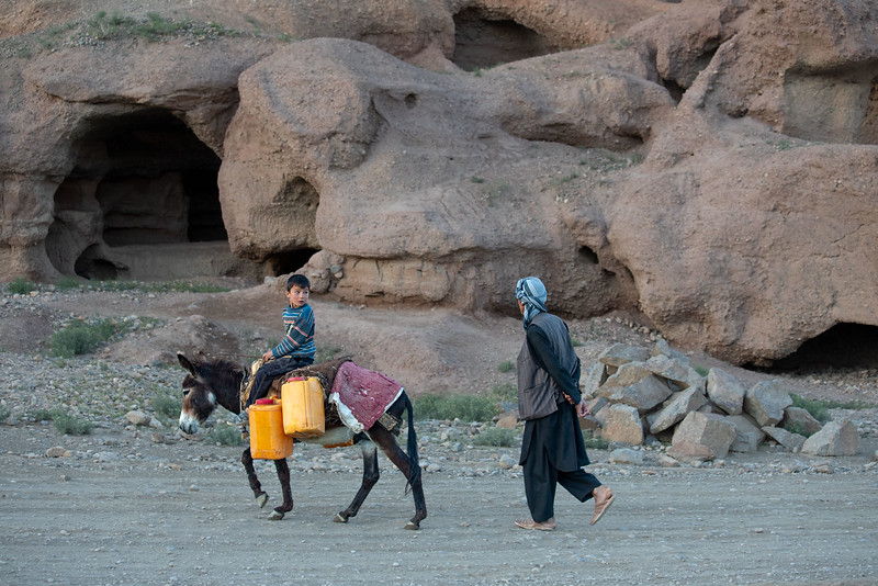 Carrying water back home in the evening. Sang-Chaspan area of Bamyan.