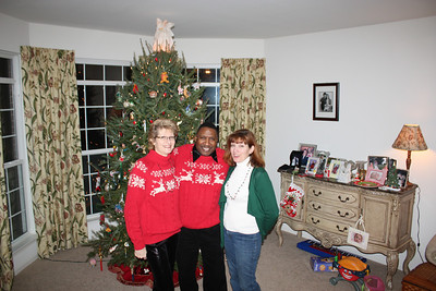 20101218  3rd Annual Banakis Christmas Party 027