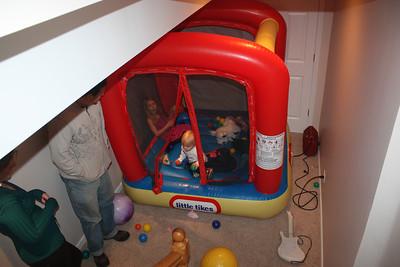 20111217 4th Annual Banakis Christmas Party 032