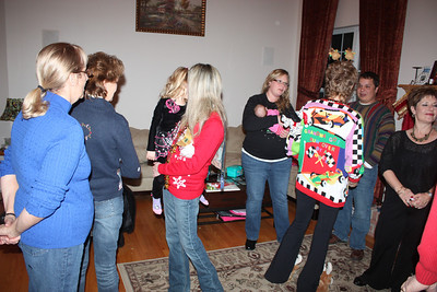 20111217 4th Annual Banakis Christmas Party 031