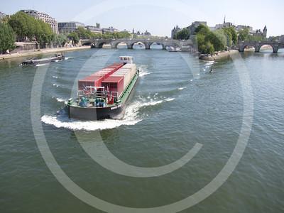 Paris04201118_19-094