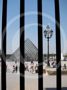 Paris04201118_19-097