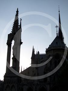 Paris04201118_19-015