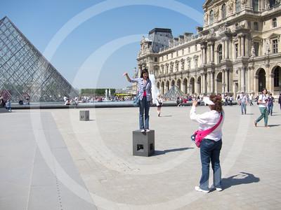 Paris04201118_19-104
