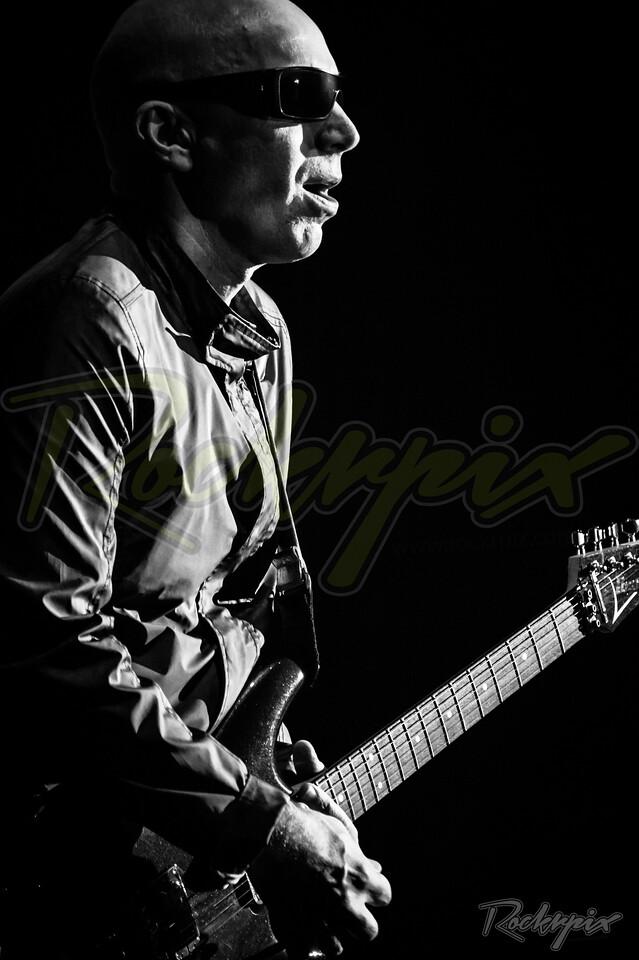 ©Rockrpix -  Joe Satriani
