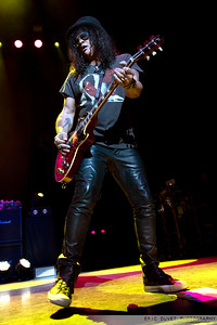 Slash featuring Myles Kennedy & The Conspirators at Eventim Apollo.