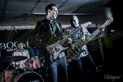 ©Rockrpix -  Laurence Jones Band