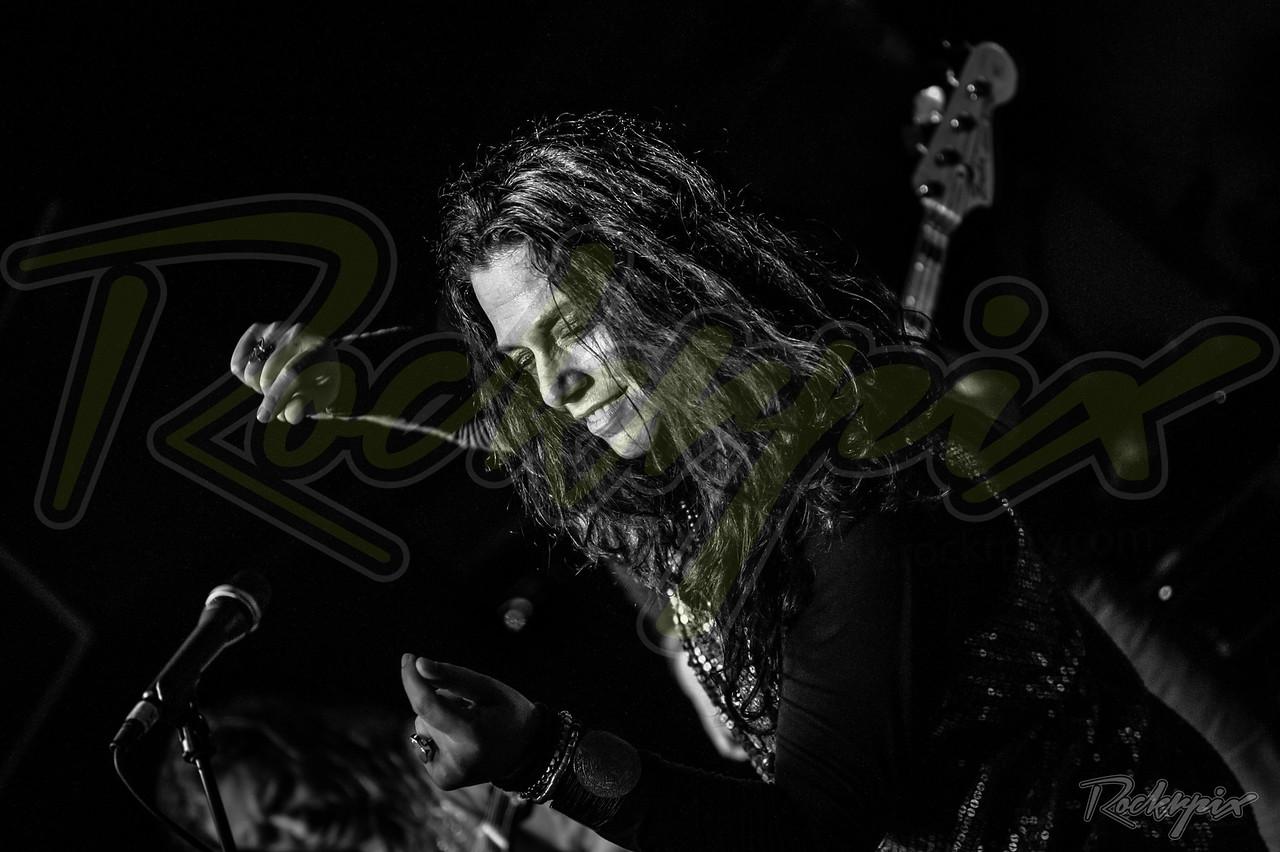 ©Rockrpix -  Sari Schorr