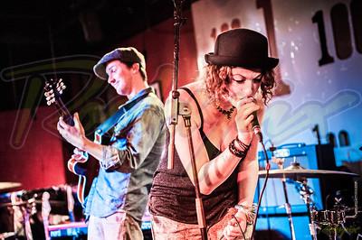 Victoria Klewin &  The Mojohand