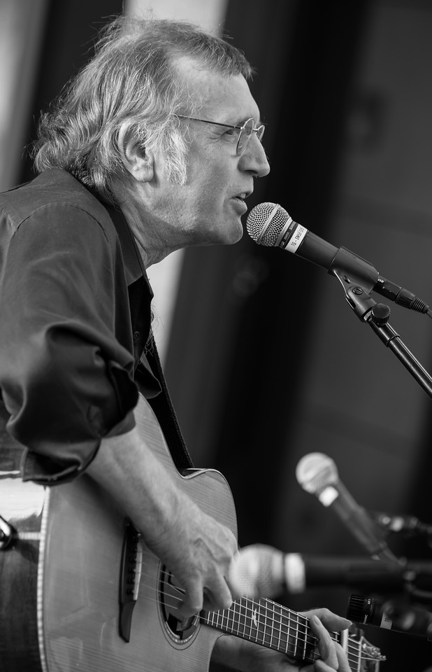 Lonnie Knight-The Acoustic Legends 2014 - Towne Green, Maple Grove
