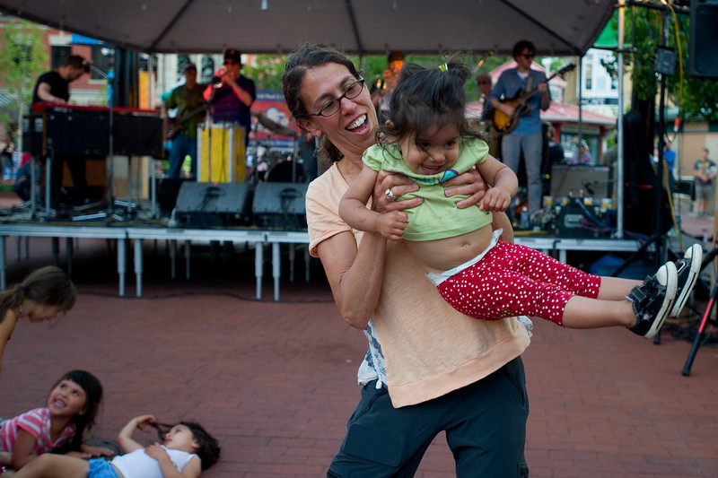 "Mara Goldman dances with her daughter Aanya Ayyalasomayajula, 2, while Euforquestra performs during Boulder's Bands on the Bricks at Pearl Street Mall on Wednesday.<br /> More photos:  <a href=""http://www.dailycamera.com"">http://www.dailycamera.com</a><br /> Autumn Parry/Staff Photographer<br /> June 1, 2016"