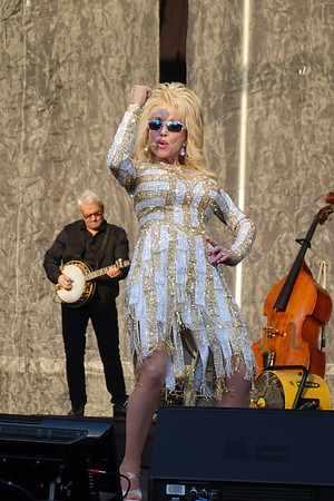 Dolly Parton Queens NY 2016