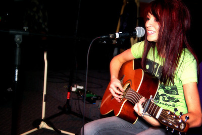 Taylor Leigh - Singer/Musician