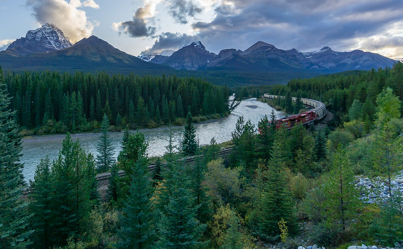 Awesome Vacation Trip September 2019. Glacier National Park, Lake Louise, Banff, Lake Moraine