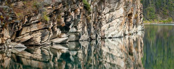 Horseshoe Lake, Reflections